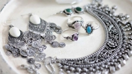 Guide to Buying Sterling Silver Jewelry